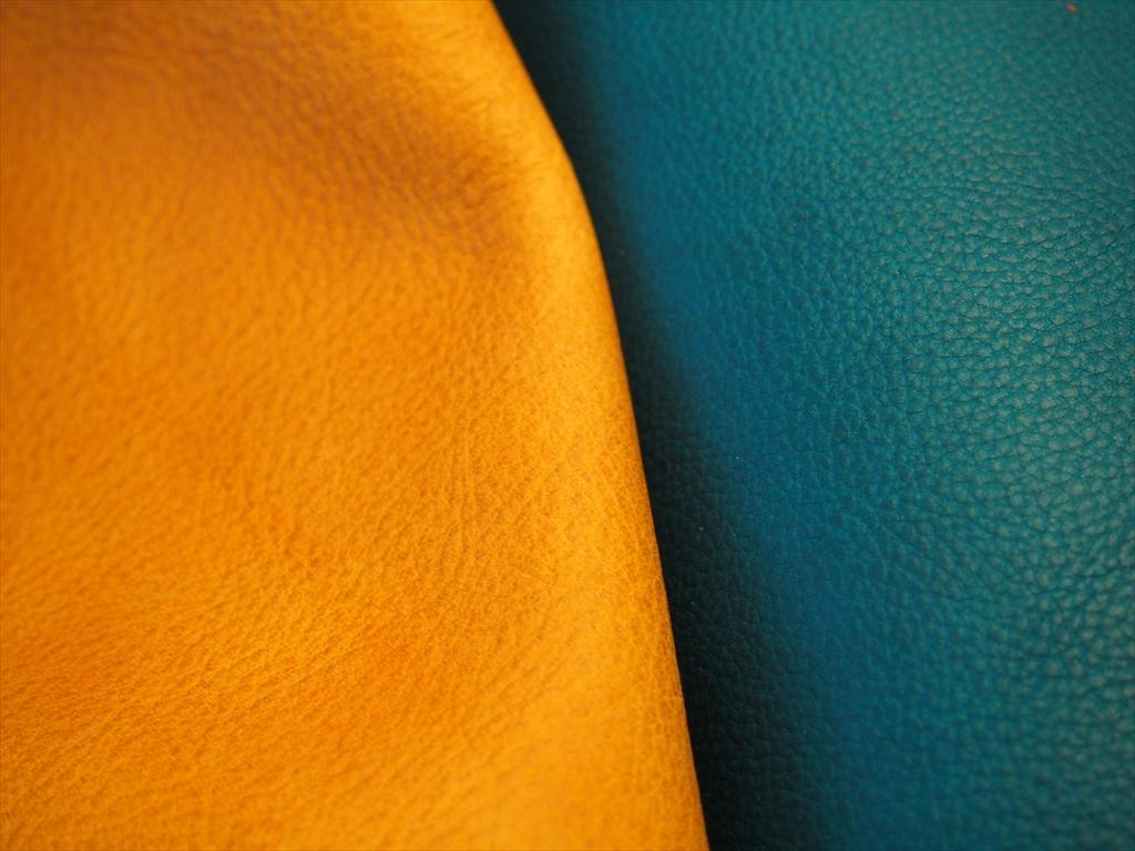 本ヌメ革オイルシボ とミネルバボックスの比較2