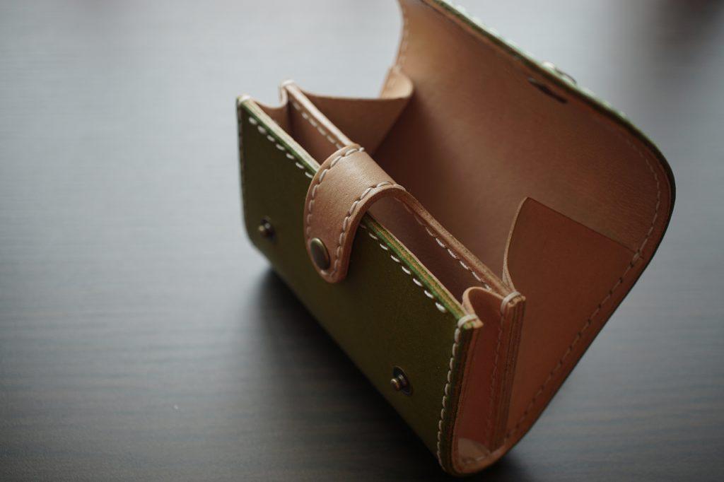 本ヌメ革のコインケース|レザークラフト制作過程紹介