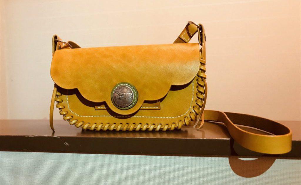 本ヌメ革のショルダーバッグ|レザークラフト作品紹介 (2)_R