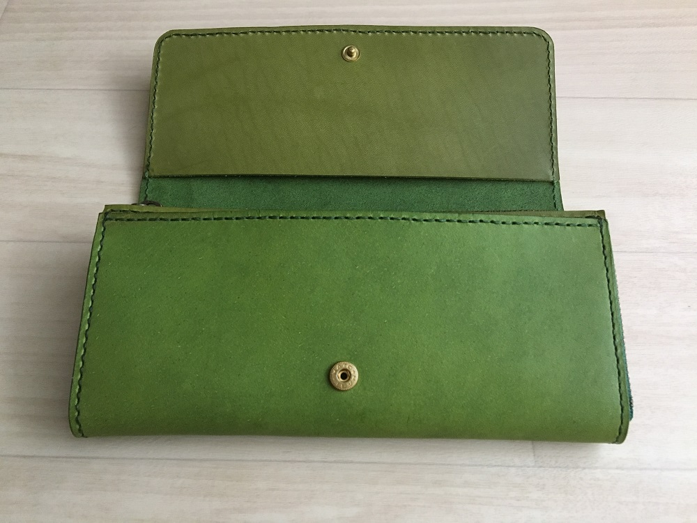 緑本ヌメ革の長財布77