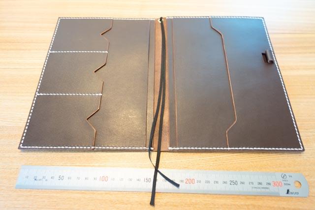 A5サイズの手帳カバー|レザークラフト作品紹介 (2)