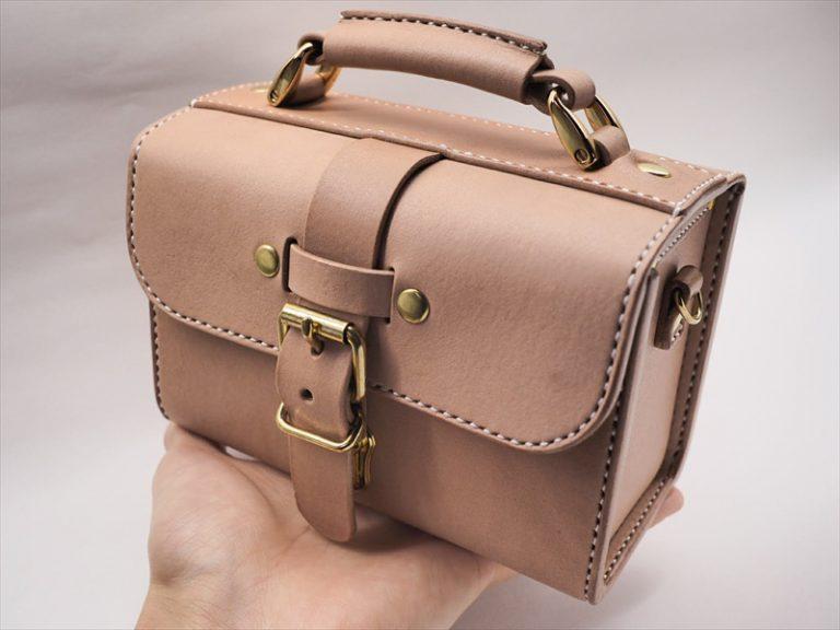 ヌメ革の小さな鞄「コスメポーチ」|レザークラフト作品 (3)