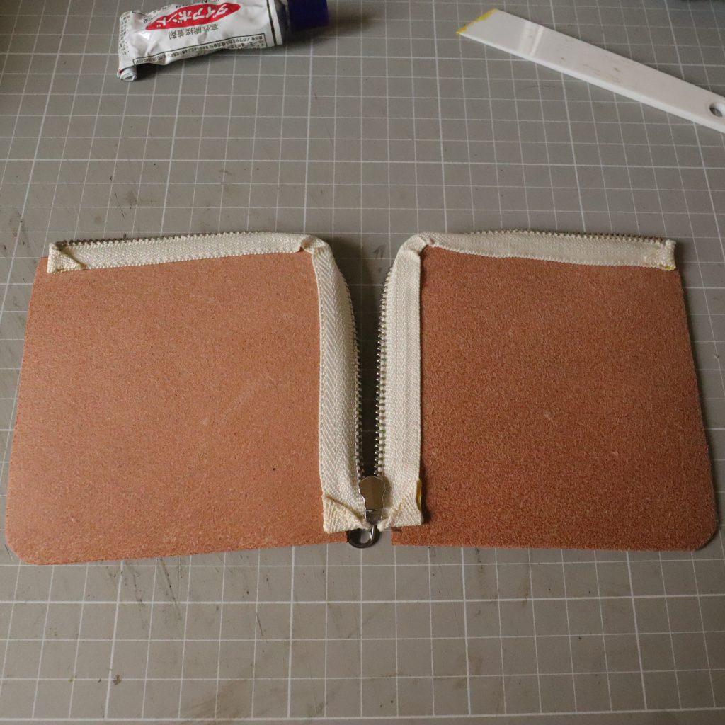 ファスナーの縫い付け004|L字ファスナーの小型財布|レザークラフト作品紹介