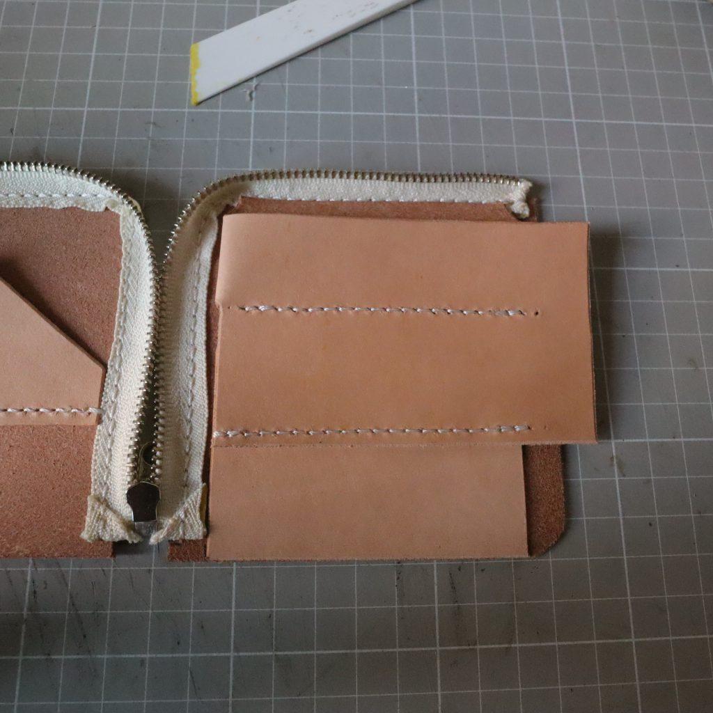 外装縫い合わせ|L字ファスナーの小型財布|レザークラフト作品紹介