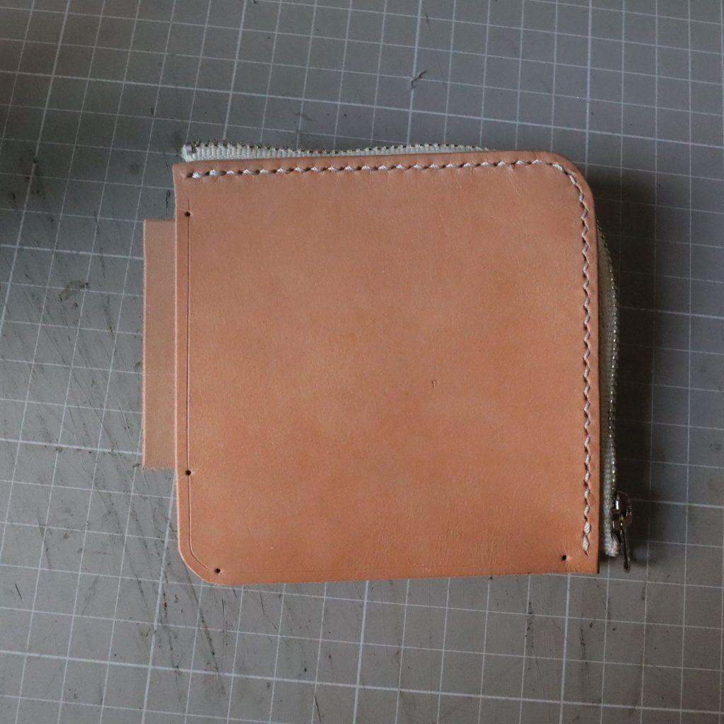 外装縫い合わせ3|L字ファスナーの小型財布|レザークラフト作品紹介