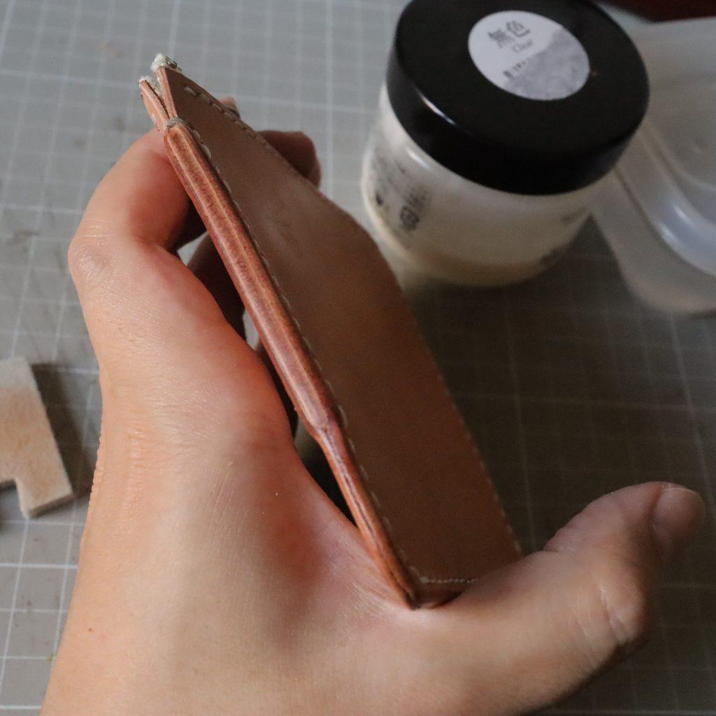 コバ処理4|L字ファスナーの小型財布|レザークラフト作品紹介