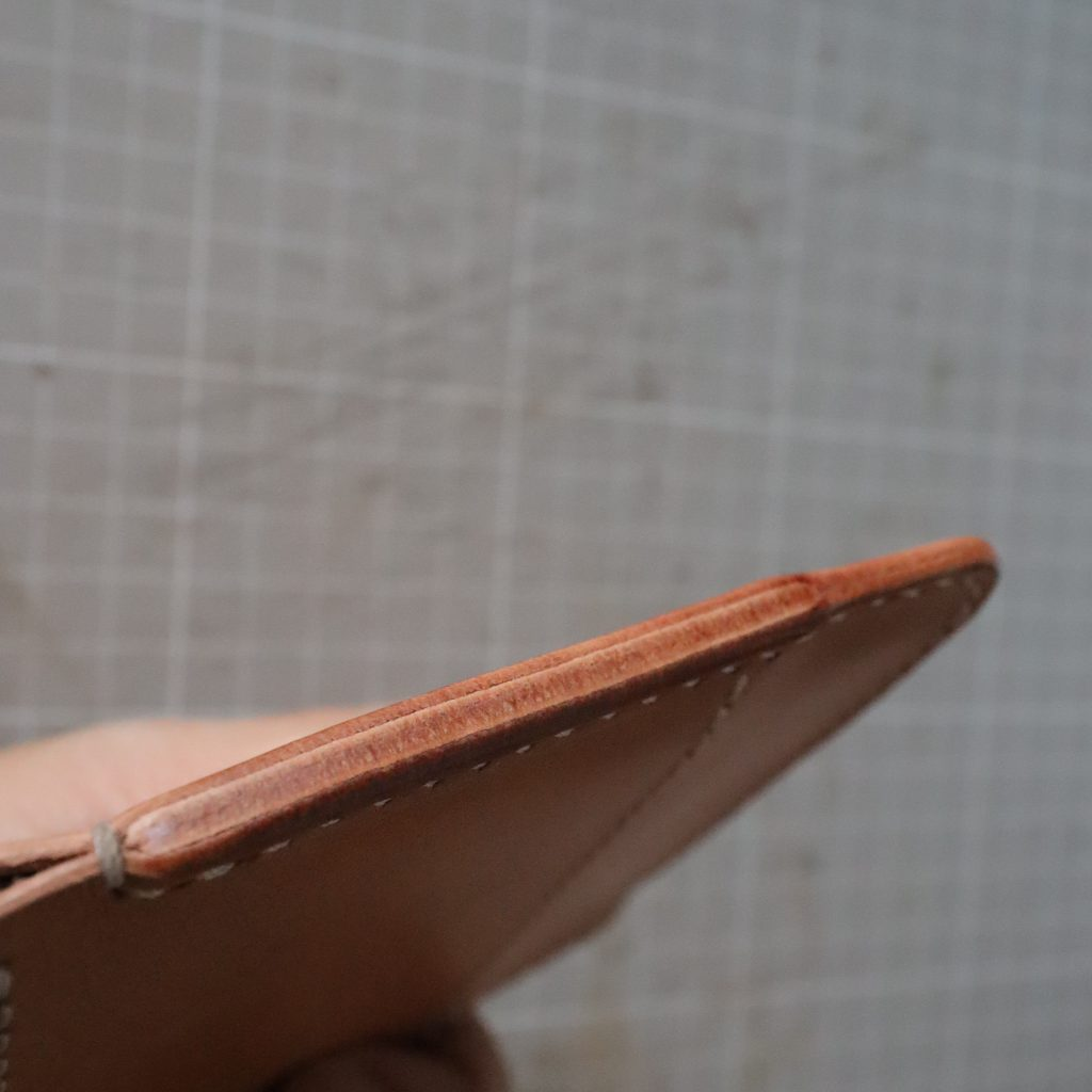 コバ処理5|L字ファスナーの小型財布|レザークラフト作品紹介