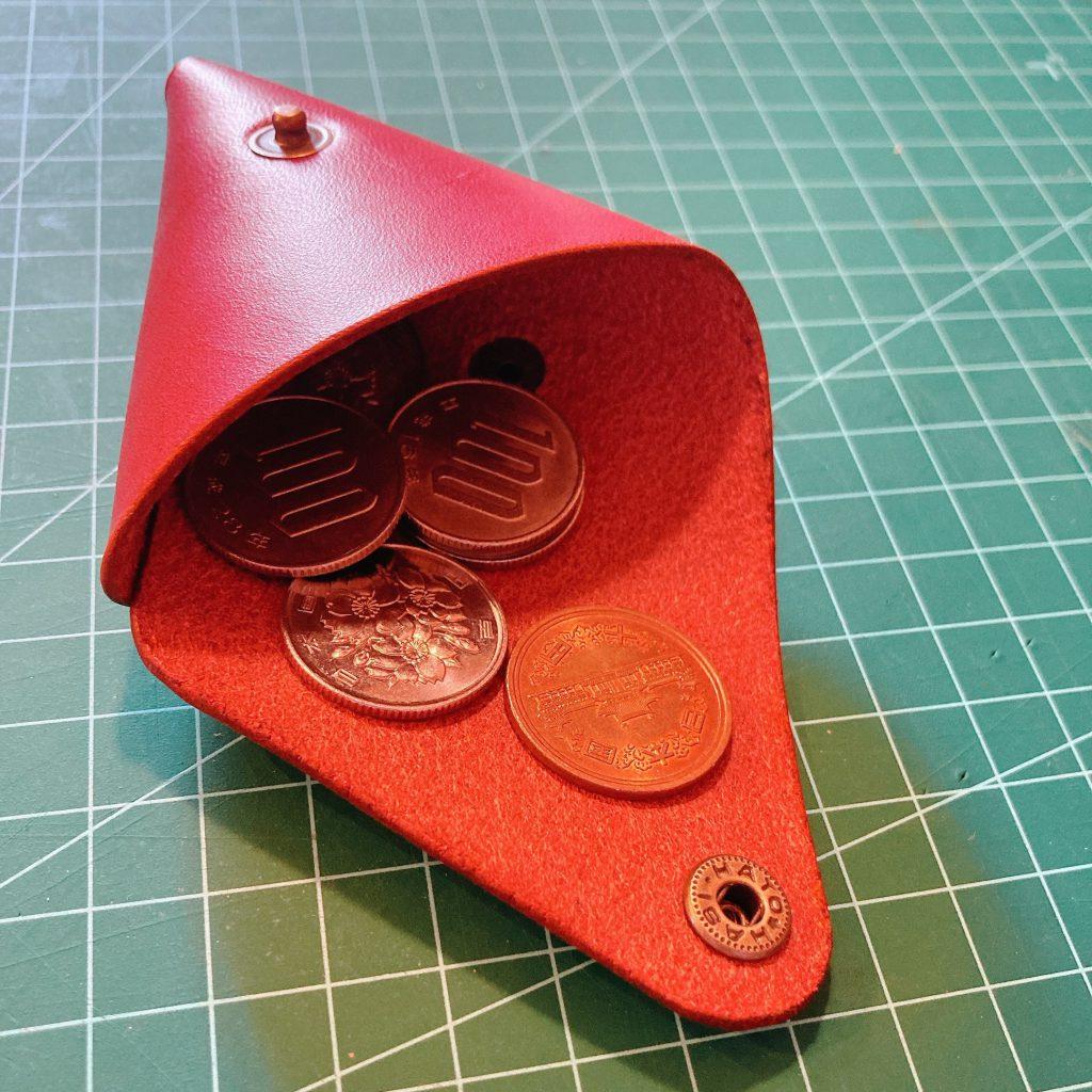 縫わずに作れる三角コインケースの作り方02