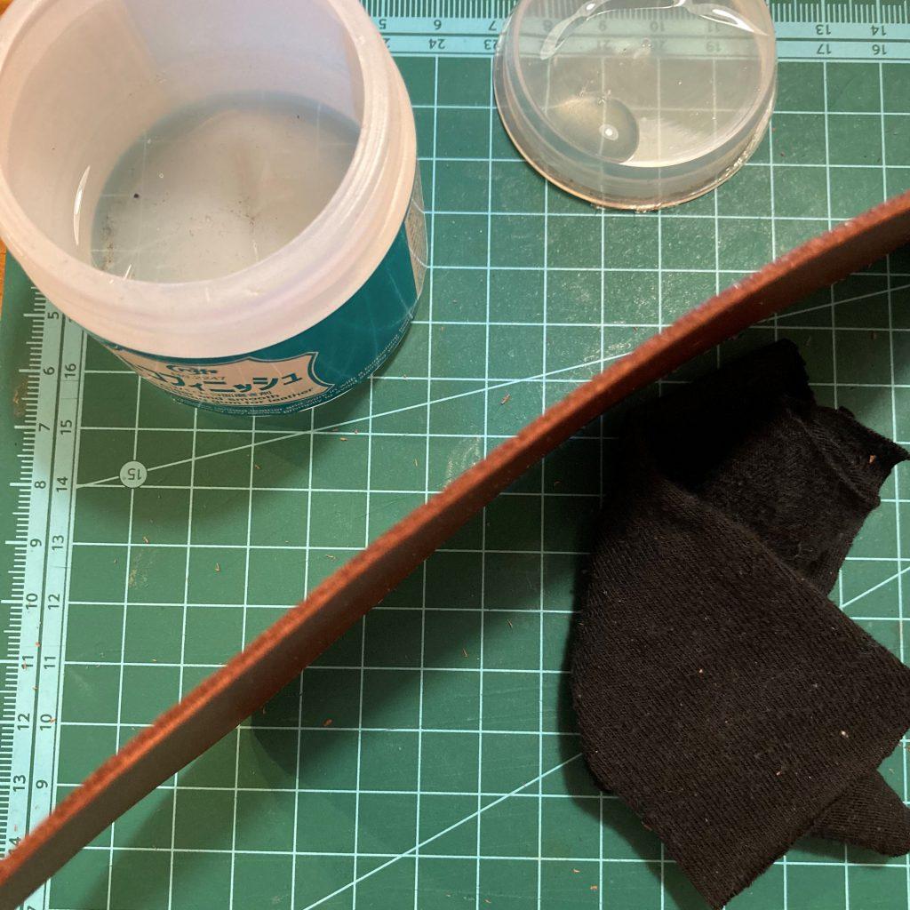 縫わずに作れる三角コインケースの作り方09