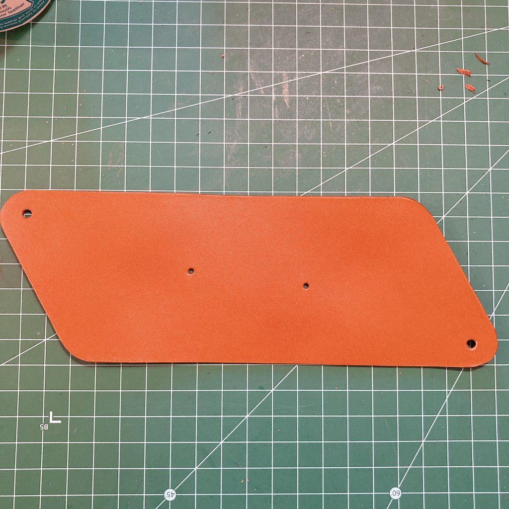 縫わずに作れる三角コインケースの作り方07